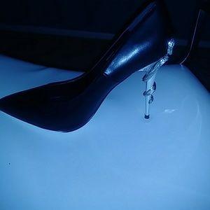 3 inch black heel (the run slight big)